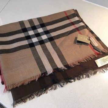 Burberry Lightweight Wool And Silk Scarf in Camel Check