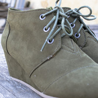 Montana Suede low wedge lace-up bootie | Olive