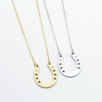 Horse shoe necklace
