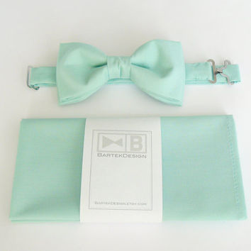 Wedding set for men - bow tie and pocket handkerchief by BartekDesign - green mint pastel cotton chic grooms