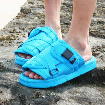 Design Summer Korean Slippers Stylish Couple Anti-skid Beach Shoes Sandals [6849374019]