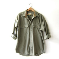 Vintage army green shirt. oversized button up boyfriend shirt. pocket shirt. grunge punk.