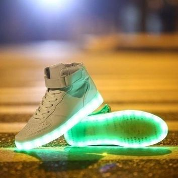 Fashion Lovers LED Night Light Couples Men Women Light Up Trainer Lace Up Shoes Sneake