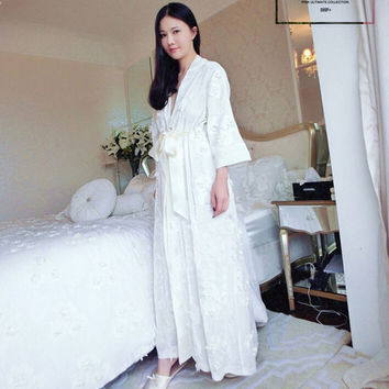 Free Shipping 2016 New Women High Quality Long Section Robes Women Embroidery Bathrobes Long Silk Velvet Thickened Robe