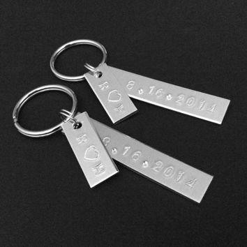 Personalized Couples Gift, Wedding Date, Anniversary Keychain, Wedding Couple Gift, Bride Groom Gift