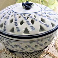 Bowl Oval Lidded Blue White Porcelain Decorative Dish Candy Floral Footed Home & Garden Party blm
