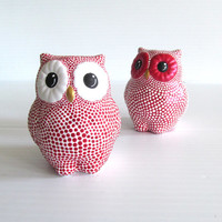 Owls Salt and Pepper shakers Red and White Owls