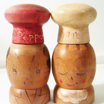 Vintage Wood Salty and Peppy / Salt and Pepper Shakers / Made in Japan / large salt and pepper shaker / Condiment Dispenser