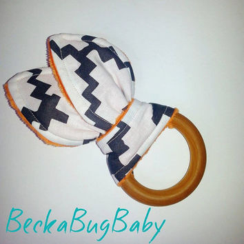 Natural Organic Treated Wooden Teething Ring, Bunny Ear Teething Ring, Chevron, Gender Neutral, Baby Shower Gift