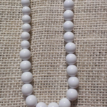 1960's Classic White Graduated Round Plastic Bead Necklace Long Mod Mid Century Mad Men Boho Modern Womens Fashion Single or Double Layer