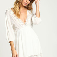 WHITE CROCHET BUTTERFLY CREPE DRESS