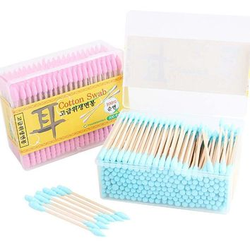 1 Box About  200pcs Candy Color Cotton Swabs Clean Cotton Stick Makeup Cosmetics Tools