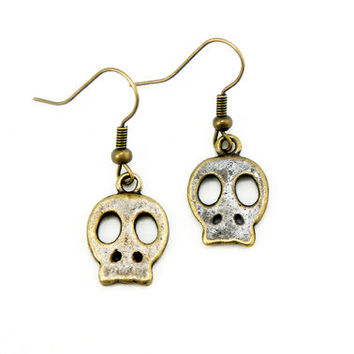 Skull Earrings - Antiqued Brass Vintage Style Skull Dangle Earrings - Bridesmaids Gifts Idea - CP095