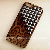 leopard Iphone 5 Case, studded Cases for iPhone 5, gun black studs, cheetah iphone 5 hard case