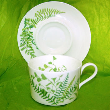 Six RARE Vintage BONE CHINA Mikasa Lacy Fern Green Cups and Saucers Set Vera Neumann Design