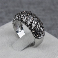 Free Shipping Retro Jewelry Tibetan Silver Plated Duoying Brand Factory Stripe Creative Hollow Black Stone Rings For Engagement