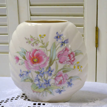 Vintage Flower Vase  White Ceramic Pink Flowers Japan Shell Shape Panchosporch