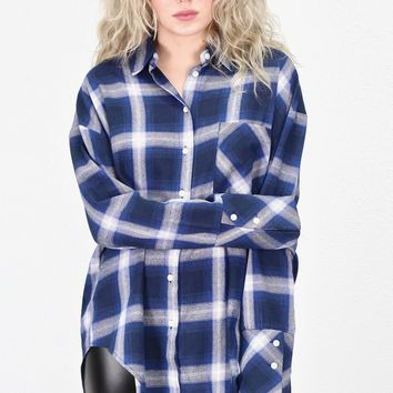 Boyfriend Style Plaid Flannel {Navy}