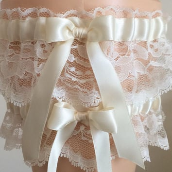 Ivory Lace Wedding Garter Set, Bridal Garter Set