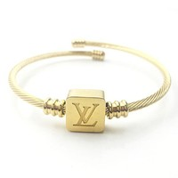 LV GUCCI Newest Popular Women Men Chic Square Heart Hand Catenary Bracelet Jewelry Accessories Golden