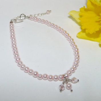 Bracelet, Pink Pearls, Swarovski Crystal, Silver, Heart Shaped Clasp, bridesmaid, birthday, gift, modern