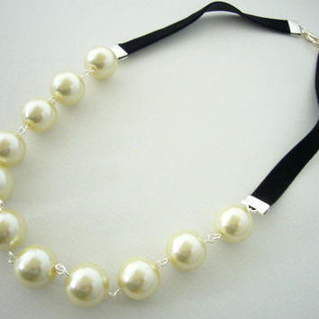 Ivory Pearl Necklace, Black Ribbon and Pearl Necklace, Simple Wedding Jewelry, Pearl Bridal Necklace, Black and White, Maid of Honor Necklac