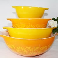 Vintage Pyrex Mixing Bowls, Cinderella, Daisy Pattern in Yellow and Orange