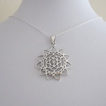 1 PCS Flower of Life with Hearts sacred Geometry Kabbalah Mandala Pendant with Chain Necklace Jewelry