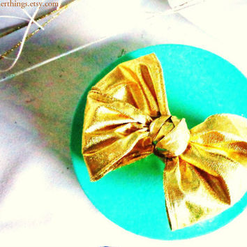 Poofy Gold Lame Bow Golden Sparkly Shiny Puffy Fat Lamay (sic) Ribbon Finished Present Package Gift Bow