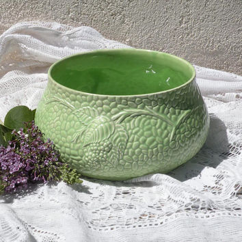 Vintage green fruit bowl with relief berries pattern, Wade fruit bowl, mid century ceramic bowl, English pottery bowl, vintage kitchen