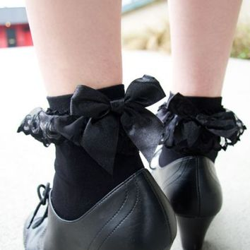 Lace Ruffle Anklet with Bow