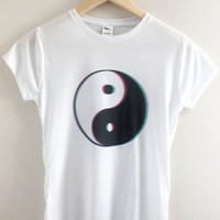 Grunge Yin Yang Graphic Junior's Fitted Tee