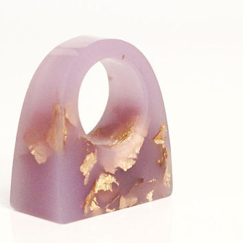 lavender geometric rectangular eco resin ring with gold leaf flakes - size 4.5