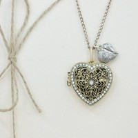 MP Handmade Golden Rhinestone Hollow Out Heart Shape Locket Antique Style Long Necklace KDP 0618