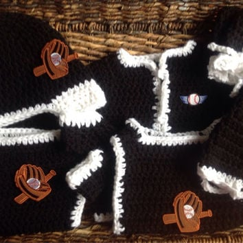 Baby Chicago White Sox Crochet Set Baseball Cap Booties Diaper Cover Copy