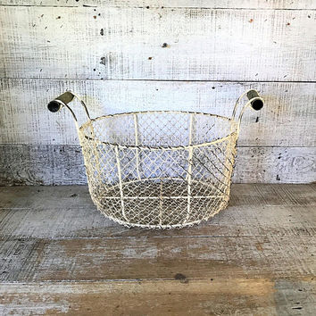 Metal Basket Wire Basket White Metal Wire Basket Rustic Basket Farmhouse Chic Kitchen Storage Basket Fruit Basket Centerpiece Base
