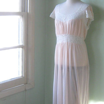 Gorgeous Vintage 1950s Pink Nightgown; Lacy Top / Vintage Medium Pink Nightgown / Sheer Pink Date Night Honeymoon Nightgown / Airy Nightgown