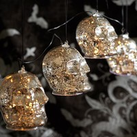 LIT SILVER MERCURY SKULL STRING LIGHTS