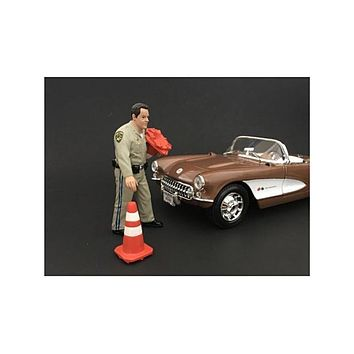 Highway Patrol Officer Collecting Cones Figurine / Figure For 1:24 Models by American Diorama