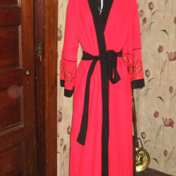 Miss Elaine Soft Velour red w black wrap  robe w gold black embroidery sz med