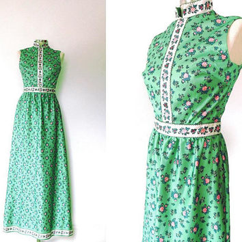 Light green rose print maxi dress / flower panel / pink / white / vintage / 1970s / high collar / zip / sleeveless / silky boho summer dress