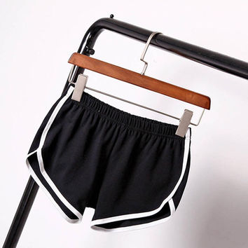 Leisure Women Cotton Sports Shorts Contrast Binding Side Split Elastic Waist Loose Casual Shorts Yo-Ga Short SM6