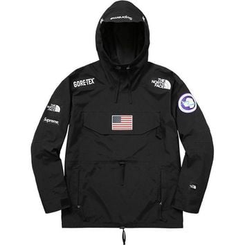 cc auguau Supreme x The North Face Windbreaker Hoodie