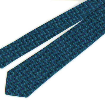 Turquoise and black zigzag knit tie, vintage 1960s, hand washable, ready to wear on a budget, look great on your first job