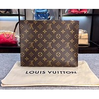 Louis Vuitton LV Fashion Casual Woman Men Envelope Clutch Bag Leather File Bag Tote Handbag