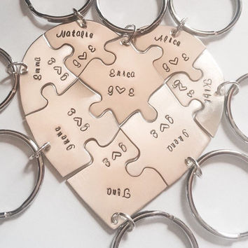 Hand engraved friendship heart puzzle keychain, shaped like a heart - perfect for 8 people, heart puzzle, 8 pieces, eight