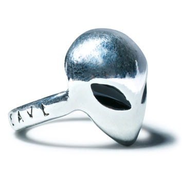 Disturbia X House Of Wolves Alien Ring Silver One