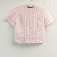 1950s vintage pink cotton blouse tuxedo pleated short sleeve pinup top // embroidered cutouts button back // size L