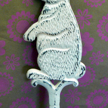 Bunny Rabbit Garden Patio Yard Stake Cast Iron Shabby Chic Creamy Off White Distressed Easter Bunny Crossing Sign