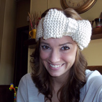 Cozy Bow Ear Warmer in Ivory